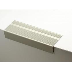 Nez de marches strié aluminium filé 667070
