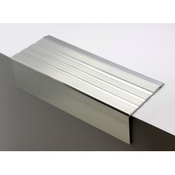 Nez de marches strié aluminium filé 668400