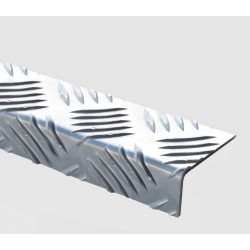 Nez de marches en aluminium larmé